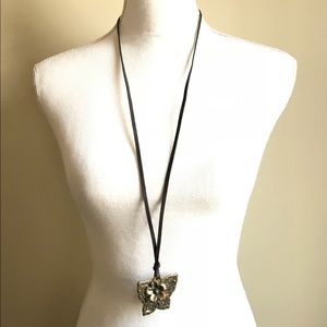 Jewelry - 🆑Long leather butterfly necklace